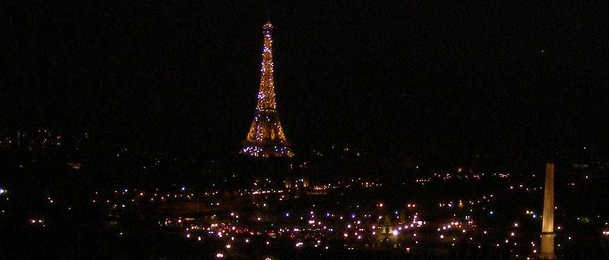 Its golden covering shines over Paris